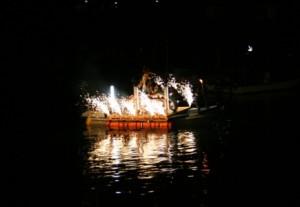 海女の大夜泳